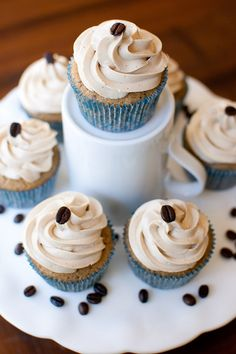 vanilla latte cupcakes with vanilla espresso swiss meringue buttercream