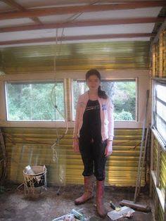 'Caravan Chic' A Teen's Renovation Project <-- teenaged girl renovates an old caravan to be her bedroom.