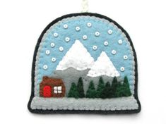 Felt Christmas Ornaments, Christmas Crafts, Christmas Ideas, Homemade Christmas, Holiday Ideas, Felt Diy, Felt Crafts, Felt Patterns, Embroidery Patterns