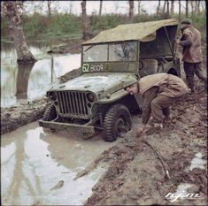 The crew of a jeep attempt to dig out their vehicle, bogged down in muddy conditions near Anzio, 23 January 1944. Probably the 1st Divisional Signals Regiment (SIGS), given the date most probably 1st Infantry Division (unit symbol censored), attached to the 2nd Infantry Brigade, 3rd Battalion (white 62 inside a green square). Bridging number: Black 2 inside an outlined yellow circle. The Battle of Anzio was a battle of the Italian Campaign of World War II that took place from January 22…