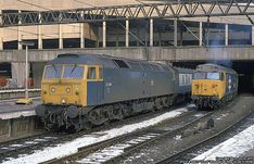 47418 (ex & 50031 (ex 'Hood' at Birmingham New Street on Feb 47418 was built at Brush Traction, Loughborough and delivered on April Withdrawn on Feb 1991 and cut up at MRJ Group, Frodingham in Dec Electric Locomotive, Diesel Locomotive, Blackpool England, Birmingham News, Train Room, British Rail, Great Western, Train Engines, Britain