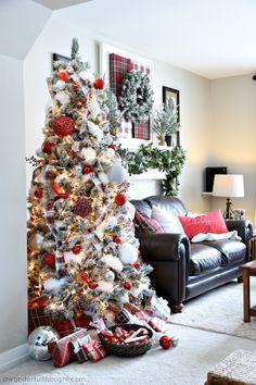 Black Christmas, Burlap Christmas Tree, Silver Christmas Decorations, White Christmas Trees, Christmas Tree Themes, Christmas Colors, Beautiful Christmas, Christmas Home, Christmas Ribbon