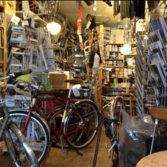 Veloform, a fantastic bicycle shop in göteborg. It's where i bought my Pilen Sport!