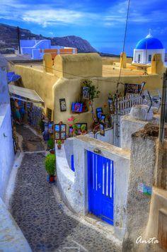 Pyrgos, Santorini, Greece♥