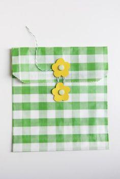 diy-flower-envelopes