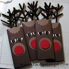 Rudolph wrapped Hershey Bars What a great idea for the kids class christmas gifts! Noel Christmas, Christmas Goodies, Christmas Projects, Winter Christmas, Holiday Crafts, Holiday Fun, Christmas Paper, Christmas Candy Crafts, Christmas Ideas