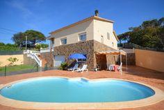 Schöne Villa mit privatem Pool und Grill, in einer ruhigen Wohnsiedlung gelegen