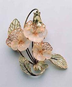 Pansy Brooch. Rene Lalique, (1860-1945). Circa 1903-1904. Glass, gold, diamonds, plique-a-jour.
