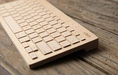 WOOD DESIGN BLOG || The best from around the web – this week in Wood Design || Wooden Keyboard by Orée || #wood #design #accessories