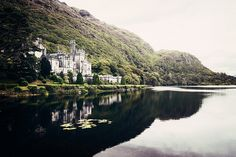 Kylemore Abbey, Ireland - Double click on the photo to get or sell a travel itinerary to #Ireland