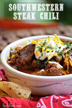 Dinner Stampede – Southwestern Steak Chili This Southwestern Steak Chili will have your herd stampeding to the dinner table! Make this easy recipe with stew meat from the butcher or sirloin or Secret Chili Recipe, Beef Chili Recipe, Chilli Recipes, Crockpot Recipes, Soup Recipes, Cooking Recipes, Healthy Recipes, Recipes For Stew Meat, Crockpot Meat