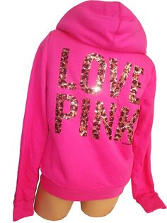 I just don't get it. If you love pink so much, just make your entire outfit pink. And then we will very much get it.