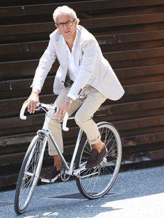 オフィスカジュアル×自転車通勤、の成功例がこれ!