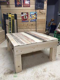 diy-pallet-square-shape-coffee-table.jpg (720×960)