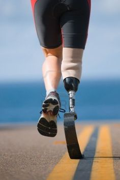 Click to watch the truly inspirational story of Tara, a young woman who got into a terrible accident, but was eventually able to successfully run a 5K with a prosthetic leg. #Empowering #Motivation #Inspirational #runner #TheRestartProject