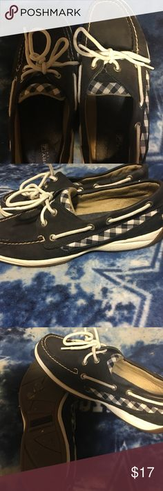 Women's Sperrys Navy blue and white in good condition. The insoles are great,I don't wear them anymore. Size 8.5 Sperry Shoes Flats & Loafers