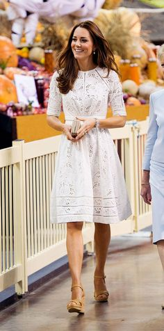 How to Dress Like Kate Middleton waysify