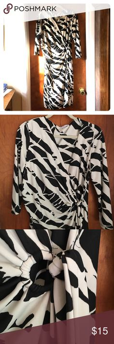 New York & Company black and cream L wrap dress NWOT never worn mid legnth wrap dress New York & Company Dresses Midi