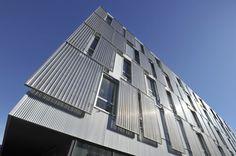 Dynamic facade system
