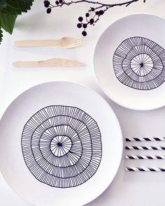 Un joli DIY pour revisiter nos assiettes blanches et classiques