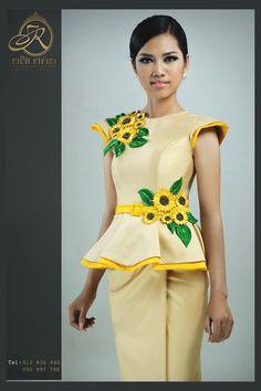 khmer traditional dress Thai Fashion, Hijab Fashion, African Fashion Dresses, African Dress, Ankara Dress, Peplum Dress, Indian Skirt, Thai Dress, Blouse Styles