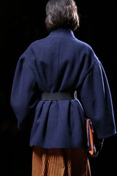 Back view of a fantastic coat at Dries Van Noten FW14.  Love the drop shoulder and full sleeves!