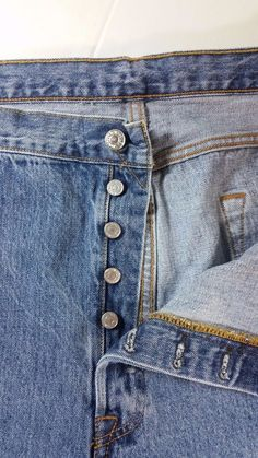 3f8df913a0 LEVI STRAUSS 501 Button Fly Jeans Med Wash Denim Mens 44 x 29