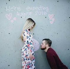Pregnancy photo announcement.