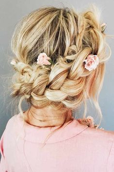 What Is A Halo Braid #braid #updo #halobraid ❤️ Check out our collection of easy-to-do hairstyles with braids and try to style your hair in a similar way. ❤️ See more: http://lovehairstyles.com/braided-hairstyles-for-spring/ #lovehairstyles #hair #hairstyles #haircuts