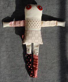 Les inséparables - Poppy 2 - poupée de chiffon aimantée - faite à la main à Montréal - 2014 - Anouk Kouri - disponible à la Boutique Tah Dah, Montréal - vendue