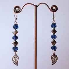boucles d'oreilles argentées,perles en verre de bohème bleu saphir rayé noir,argentées, feuilles filigranées