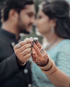 Ways to Take Social Media Worthy Photos of your Engagement Ring Engagement Ring Pictures, Buying An Engagement Ring, Engagement Rings, Image Photography, Couple Photography, Meaningful Photos, Film Images, Ring Tattoos, Romantic Moments