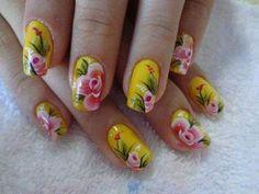 unhas decoradas com rosas - 17