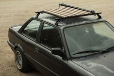 Wooden roof rack w/ bike mount Bmw E21, E30, East Coast Customs, Golf Mk1, Car Roof Racks, Range Rover Classic, Beach Buggy, Roof Design, Auto Design