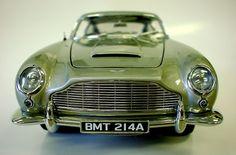 """ASTON MARTIN DB5 """"IAN FLEMING'S JAMES BOND 007 in GOLDFINGER"""" [1964 Film]"""