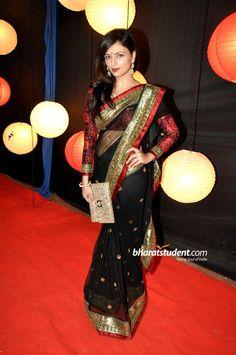 Black red Indian Attire, Indian Wear, Shiney Ahuja, Kashmira Shah, Urvashi Dholakia, Gracy Singh, Sabyasachi Sarees, Photo Galleries, Awards