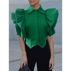 Source by Andreandis blouses classy Classy Dress, Classy Outfits, Chic Outfits, Estilo Fashion, Ideias Fashion, Blouse Styles, Blouse Designs, Stylish Blouse Design, All Jeans