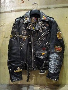 Old school with a twist of punk Vintage Leather Jacket, Biker Leather, Leather Men, Black Leather, Leather Jackets, Riders Jacket, Vest Jacket, Motorcycle Jacket, Rock Style