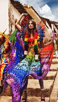 Daria Werbowy in Cuzco, Peru by Mario Testino.  Yes, this is on the right board.  She looks like a parrot.