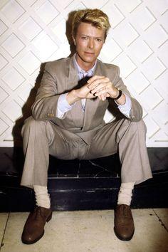 Style Icons - Bob Dylan & David Beckham Pictures The Thin white Duke himself, mr David Bowie!The Thin white Duke himself, mr David Bowie! Spider Man 2, David Jones, David Beckham, Hugh Jackman, Brad Pitt, Casual Street Style, Bob Dylan, Men's Style Icons, David Bowie Ziggy