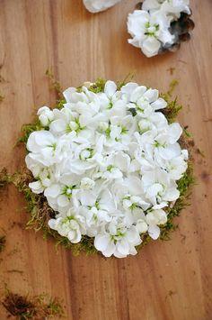 Pretty spring floral display DIY