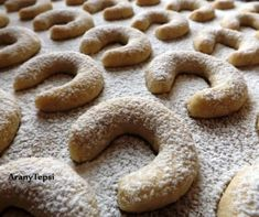 Gingerbread Cookies, Christmas Crafts, Sandwiches, Deserts, Muffin, Baking, Eat, Recipes, Pizza