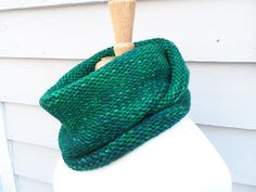 Tossing the Stash: SSC (Super Simple Cowl)