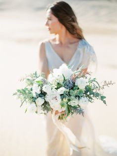 Neutral Desert Goddess Bridal Inspiration | Wedding Sparrow | Lucy Munoz Photography