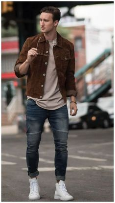 Over 40 Mens fashion. Outfit ideas and Fashion Inspiration for Men Over Mens Casual Fashion. Classy Mens Fashion Tips. Stylish Mens Outfits, Casual Winter Outfits, Men Casual, Rugged Style, Mode Lookbook, Fashion Lookbook, Outfit Hombre Casual, Moda Men, Best Mens Fashion