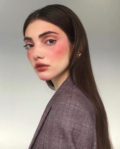 Beauty Trends Influencers Are Raving About Here are the 2018 summer beauty trends!Here are the 2018 summer beauty trends!Summer Beauty Trends Influencers Are Raving About Here are the 2018 summer beauty trends!Here are the 2018 summer beauty trends! Makeup Inspo, Makeup Inspiration, Beauty Makeup, Eye Makeup, Hair Makeup, Hair Beauty, Runway Makeup, Blush Makeup, Rosy Makeup