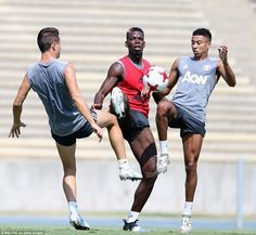 Spanish midfielder Herrera (left) and English winger Lingard challenge Pogba for possession in the Los Angeles sunshine Prime Minister Of England, Jesse Lingard, Marcus Rashford, Sports Fanatics, Paul Pogba, Man United, Manchester United, Challenges, The Unit