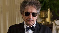 """Bob Dylan da la espantada: no recogerá el Nobel porque tiene """"otros compromisos"""""""