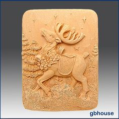 His head held high, his dancing feet, and his full set of antlers make this a very special Prancer indeed! CP/HP Soap: 4.05oz. per soap bar. Soapmaking Tips: MP soapmaking is easier than making CP/HP soap. | eBay!