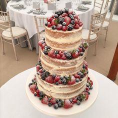 wedding cakes fruit Three Tier Vanilla Pod Bakery naked cake with lots of fresh fruit. Luxury Wedding Cake, Cool Wedding Cakes, Beautiful Wedding Cakes, Wedding Cake Designs, Wedding Cake Toppers, Naked Wedding Cake With Fruit, Naked Cakes, Wedding Sweets, Wedding Cake Inspiration